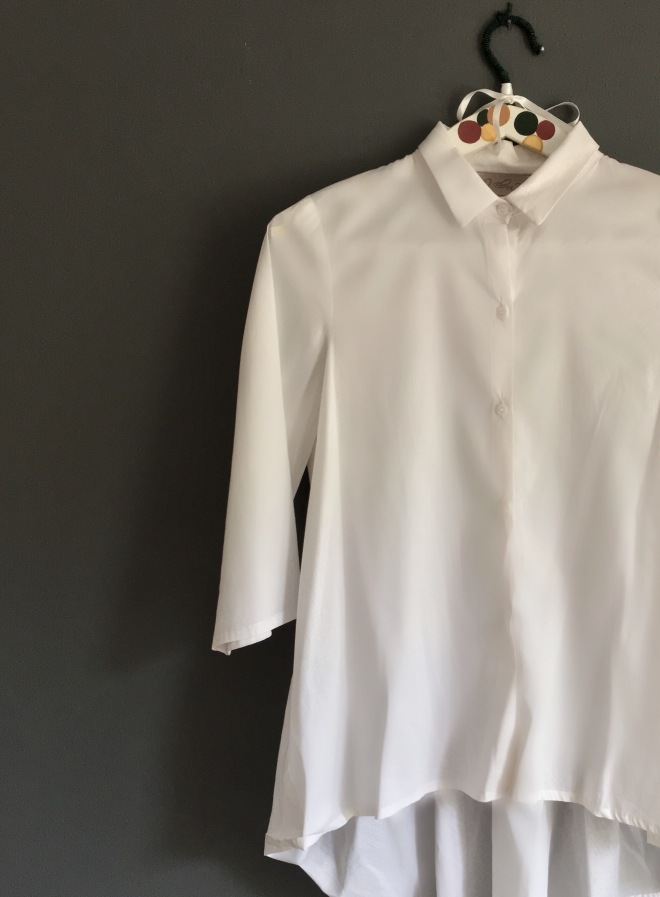 Come indossare una camicia lunga
